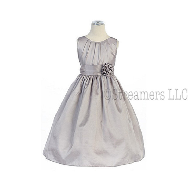 Flower Girl Dress, Pleated Solid Taffeta Dress with Hand Rolled Flower and Sash that Ties in Back.  Great for the Holidays, Parties and Weddings!  by Sweet Kids.  Available in Sizes 5, 6 and 7 in Red, Navy and Silver.  *See Sister Dresses in Infant, Toddler and 8-12. View Sweet Kids Size Chart for Sizing