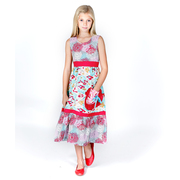 This great Jelly the Pug dress is full of color with a bird and floral motif and a great length to wear dressed up or casually!  Cute pocket with bow.  Buttons and ties at back. Available in Kotori Donna style in sizes 6 and 6X
